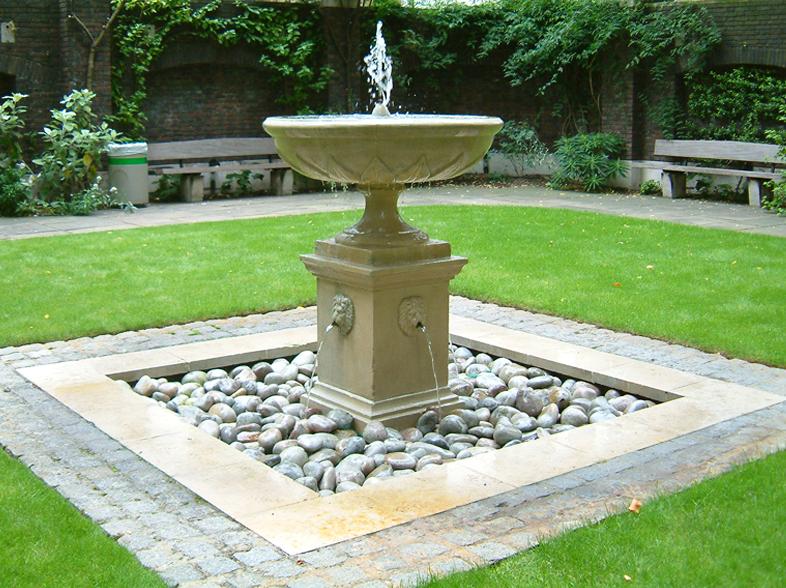 Fountain 003 (08-2005)